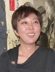 スポニチ本紙の取材に笑顔でがんを告白する室井佑月
