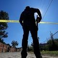 メキシコ西部ハリスコ州トラホムルコデスニガで、業務に当たる検察当局者(2019年11月22日撮影)。(c)Ulises Ruiz / AFP