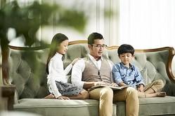 ああ…父親とそっくりなんて、なんて可愛くない子!(imtmphoto/stock.adobe.com)