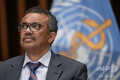 スイス・ジュネーブの世界保健機関(WHO)本部で記者会見に出席するテドロス・アダノム・ゲブレイェスス事務局長(2020年7月3日撮影)。(c)Fabrice COFFRINI / POOL / AFP