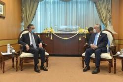 王毅氏、タイのドーン副首相兼外相と会談