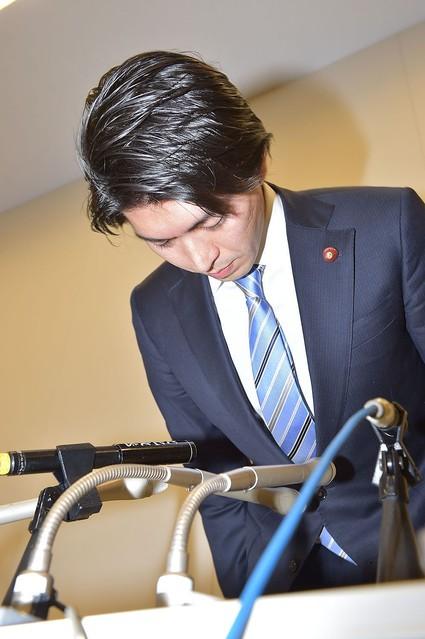 2016年の不倫で議員辞職の宮崎謙介氏、再び不倫か 本人を直撃