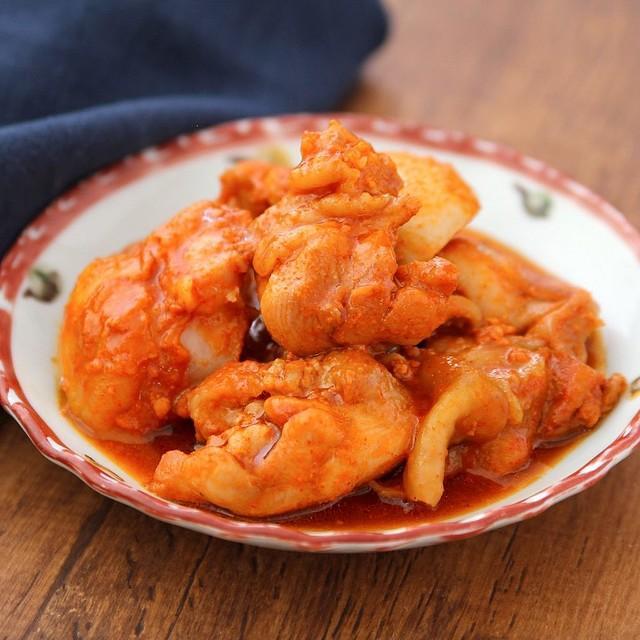 この甘辛味はハマる美味しさ! レンジだけで簡単に「ヤンニョムチキン」を作る方法