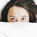 夜更かししがちな夜型人間は不幸に?明らかな因果関係が存在か