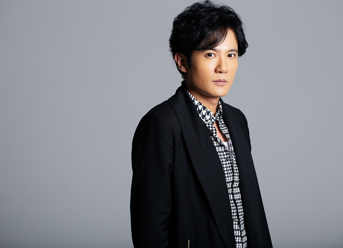 [画像] SNSに触れて、知らない自分にも出会えた——リスタートを切った稲垣吾郎の新たな発見