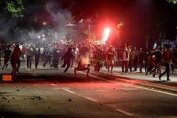 インドネシア、ジョコ氏再選受けた抗議デモが暴徒化 6人死亡