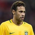 ネイマール、2014年のブラジルW杯を回顧「ただ泣き続けていた」