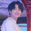 "BTSのJUNG KOOKを政治的に""利用した""韓国の女性議員が謝罪するも、写真は下ろす気なし"