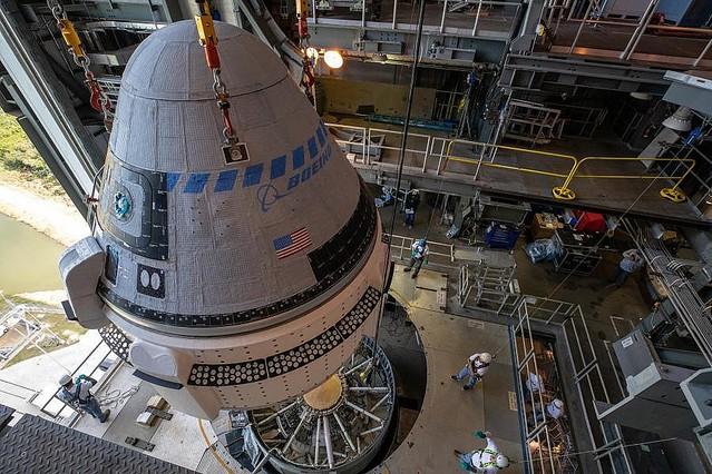 ボーイングの有人宇宙船スターライナー 試験打ち上げへ向けロケットと ...