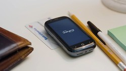 FeliCaも使える超小型スマートフォン「Jelly 2」登場! クラウドファンディングで大人気の秘密に迫る