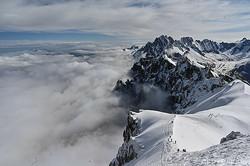 アルプス山脈(2020年5月16日撮影、資料写真)。(c)PHILIPPE DESMAZES / AFP