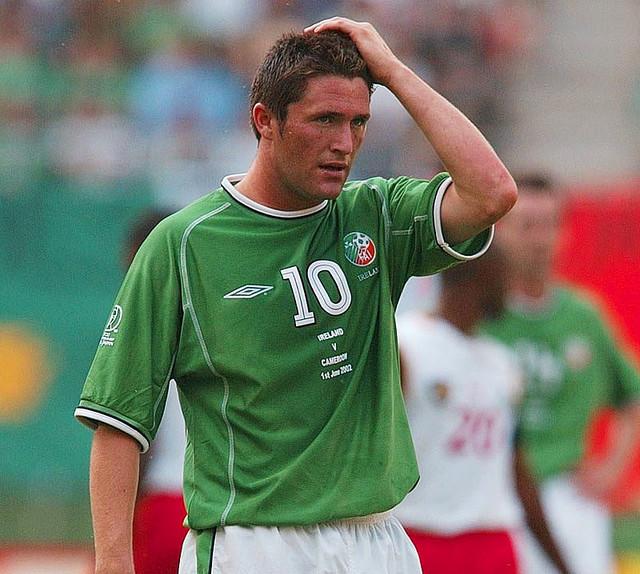 46112f2eaa6250 キーンは1998年に代表デビュー。このユニフォームを着て出場した2002年ワールドカップ日韓大会では、カシマスタジアムで行われたドイツ代表戦での劇的な同点ゴールを  ...