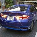 海外では前向きが基本? 日本人はなぜ「後ろ向き駐車」をしたがるのか
