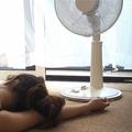 扇風機に長くあたると体がだるくなる 深部温まで冷えるから