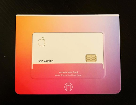 チタン製「Apple Card」の実物写真、早くも流出
