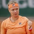 全仏オープンテニス、女子シングルス2回戦。ガッツポーズを見せるキキ・ベルテンス(2020年9月30日撮影)。(c)Thomas SAMSON / AFP