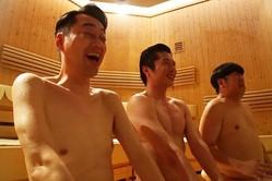 田中圭、バナナマンと裸の付き合い!熱風に大喜びで「今日めっちゃ楽しいっす」
