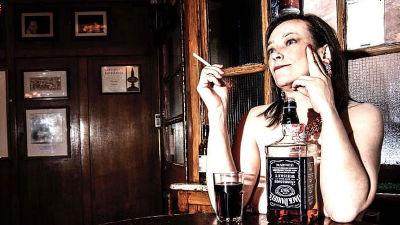 全裸で飲み食い可能な「ヌーディスト・パブ」がロンドンで正式にオープン