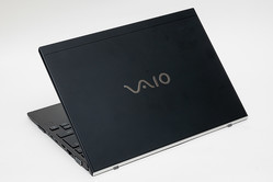 VAIO SX12はサブノートをメインした! 大型キーボードとフルインターフェイスを実現させた妥協しない挑戦とは