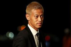 自身のYouTubeチャンネルの動画で新サービス展開を告知した本田。(C)Getty Images