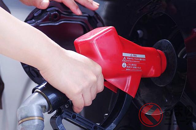 [画像] 「抵抗ある?」 車の給油、セルフ式で「不安」も… 注意すべきNG行為とは