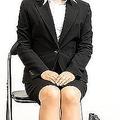 仕事のために面接をする女性