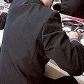 親しいメーカーを優遇する事例も 学校制服業界の知られざる実態