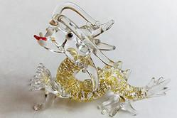 龍、白ヘビ…宝くじ当せん者の夢に「金運の動物」たち