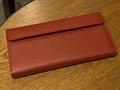 仕事用とプライベート用の財布を1つにまとめられる「ツインズ財布」