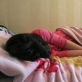 子が眠りから覚めない スウェーデンで「生存放棄症候群」が多発