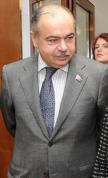 ロシアのイリヤス・ウマハノフ上院副議長=2011年9月、モスクワ(AFP時事)