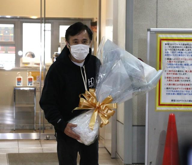 《岡村隆史結婚》「もう待てない」彼女が伝えた「結婚もう1つの理由」と相方・矢部浩之との「涙のエレベーター」
