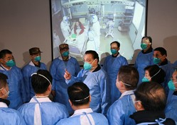 新型肺炎、米メディアが報じた「研究所が発生源」説