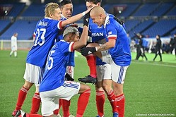 横浜FMがACL連勝! オナイウ阿道、仲川輝人が2点ずつを決めてホームでの第2戦も勝利