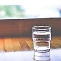 「夏でも冬でもお湯」が提供されるのが普通である中国人にとって、日本の飲食店では冬でも冷水が提供されることが理解し難いと感じるようだ。(イメージ写真提供:123RF)