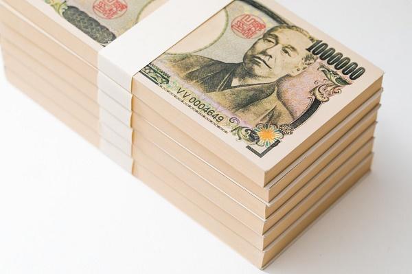 自宅にいつも「現金50万円置いてる」に批判の声 「そういう人がいるから泥棒がいなくならない」