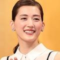 同じ事務所所属の綾瀬はるかと石原さとみ。女優としての方向性の違いとは?
