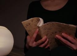 暗い場所で読書をすると…