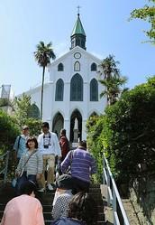 長崎は世界遺産登録で歓喜に沸いているが(時事通信フォト)