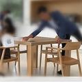 13日、米アップルはカリフォルニア州クパチーノの本社でスペシャルイベントを開催し、iPhoneを含む新製品を発表。これに関連し、中国の人気ブロガーが同社本社のビジターセンターで見かけた日本人記者について称賛している。