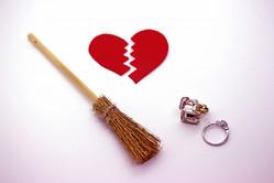学生時代よりも難しい…社会人女子の切ない恋愛事情とは
