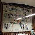 東京大学の食堂に飾られていた宇佐美圭司さんの作品(大学関係者提供)