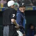 ファンからはブーイング 日本ハム・栗山監督が10年続投の苦しい事情