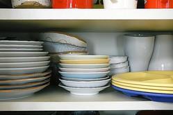 食器棚の使いやすい収納、食器と食料品の場所は?