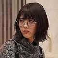 菅野美穂、浜辺美波「ウチの娘は、彼氏が出来ない!!」(C)日本テレビ
