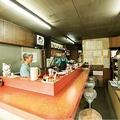 店を切り盛りする御年79歳の中島智久男さん、70歳の壽代さん夫婦 / 宝来ラーメン