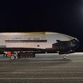 米空軍スペースプレーン「X-37B」780日の飛行を終え地球に帰還