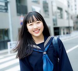 """本田望結が""""中学卒業記念""""写真集"""