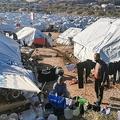 ギリシャのレスボス島カラテペにある移民収容施設(2020年12月19日撮影)。(c)Anthi PAZIANOU / AFP