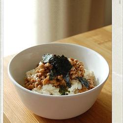 朝ごはんにも便利!「納豆×豆腐」のお手軽&ヘルシー丼レシピ